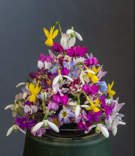 mediumFlowerArrangement_exh_Lee+JulieMartin_9572