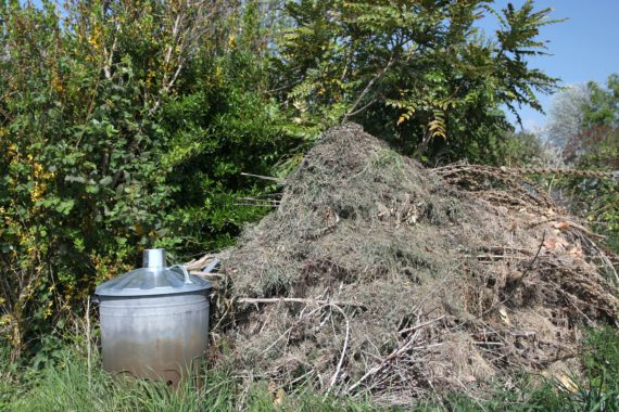 Green waste home compost heap